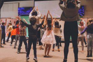 kids dancing