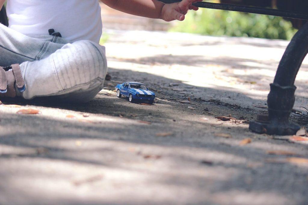 car-toy kid